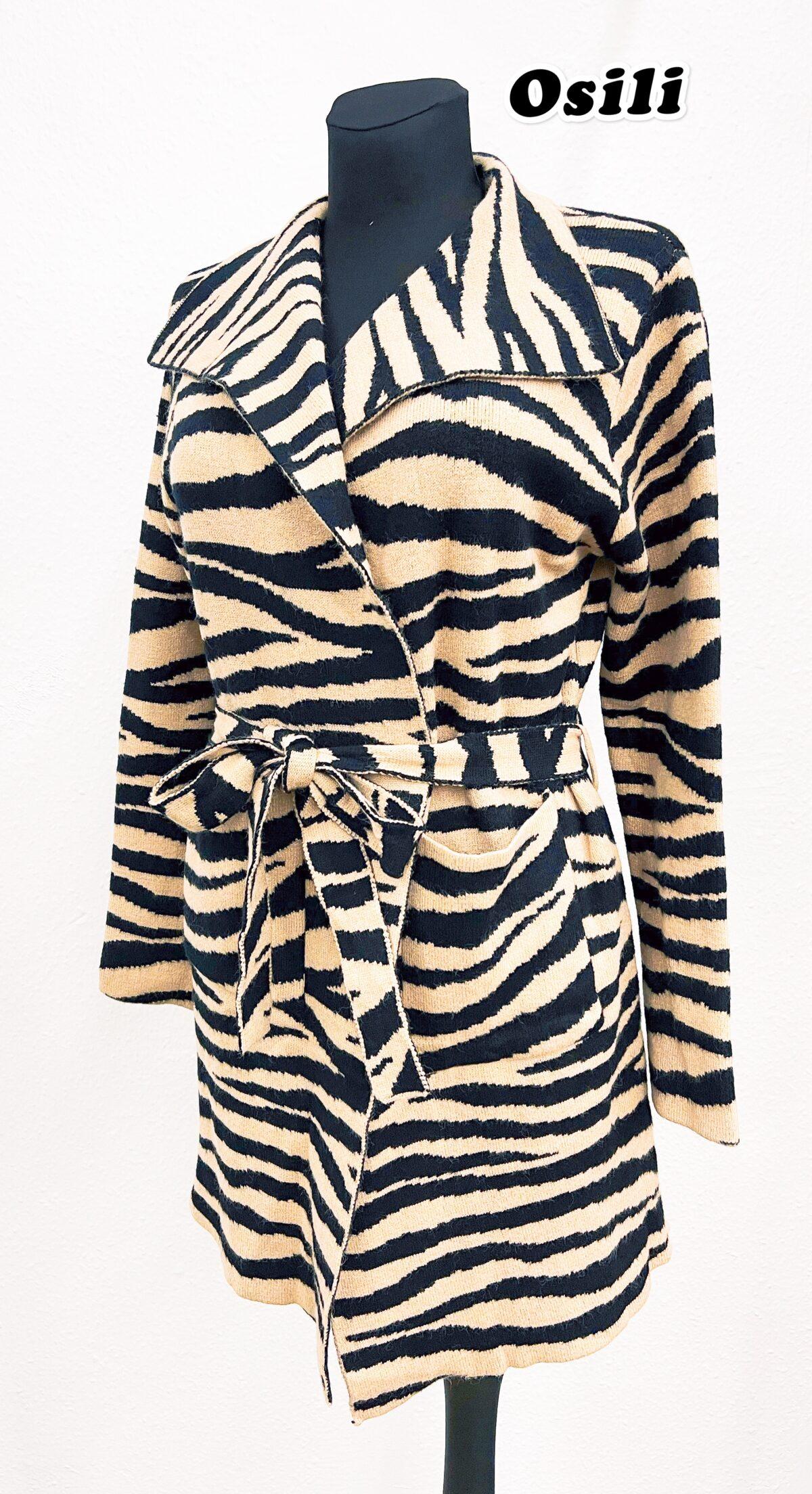 14900E6F 528D 4C2E BD64 05C1FFE9468F scaled Osili - Fashion - Divat