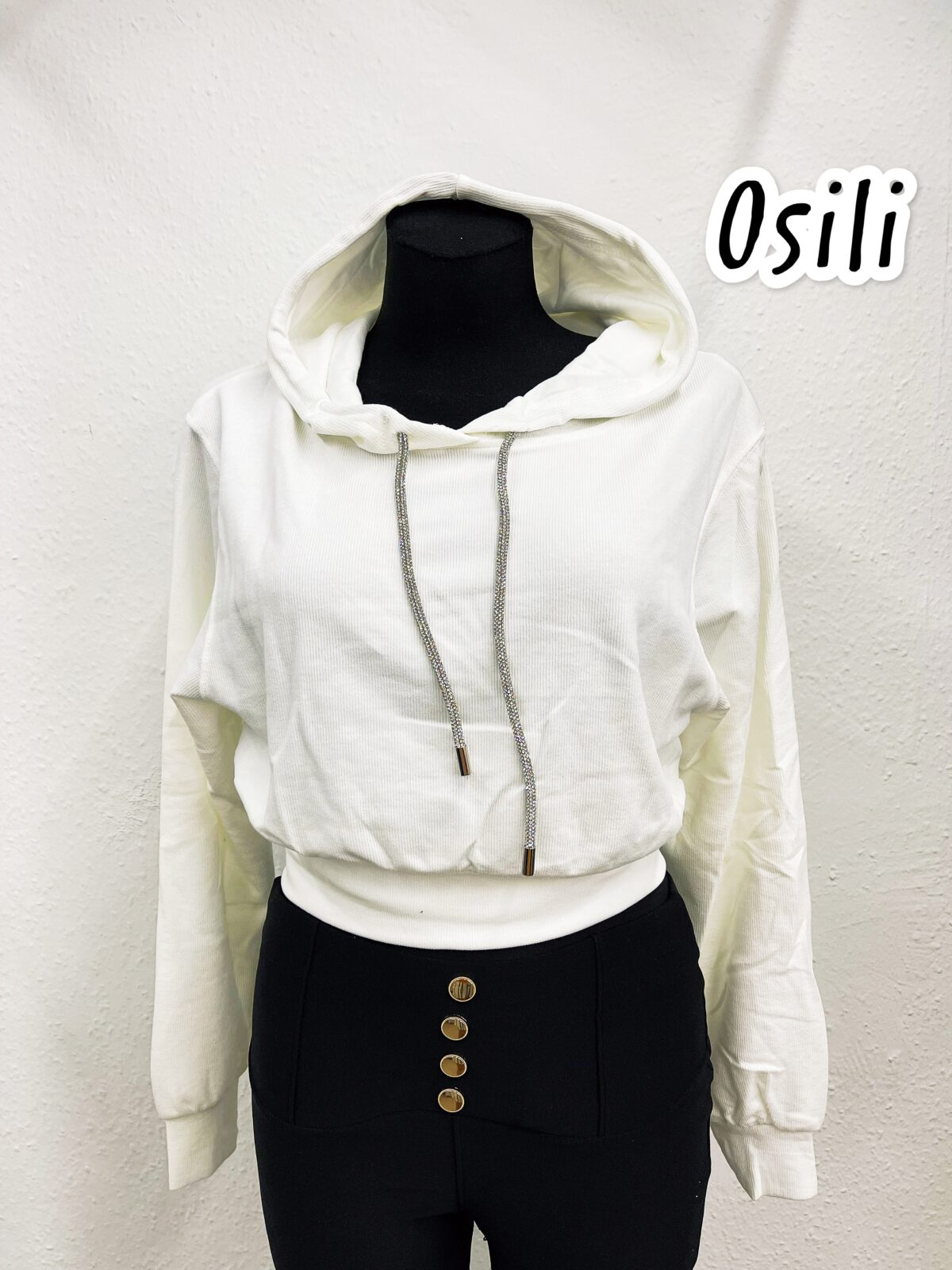 3D269A06 9F1E 4269 AC0F 767D2650F50C scaled Osili - Fashion - Divat
