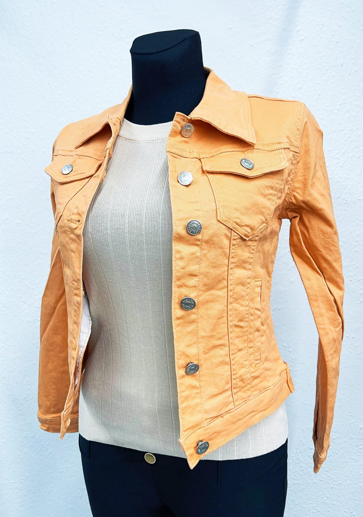BCE9E719 5659 4C9C A51B C2F1CD6375D1 scaled Osili - Fashion - Divat