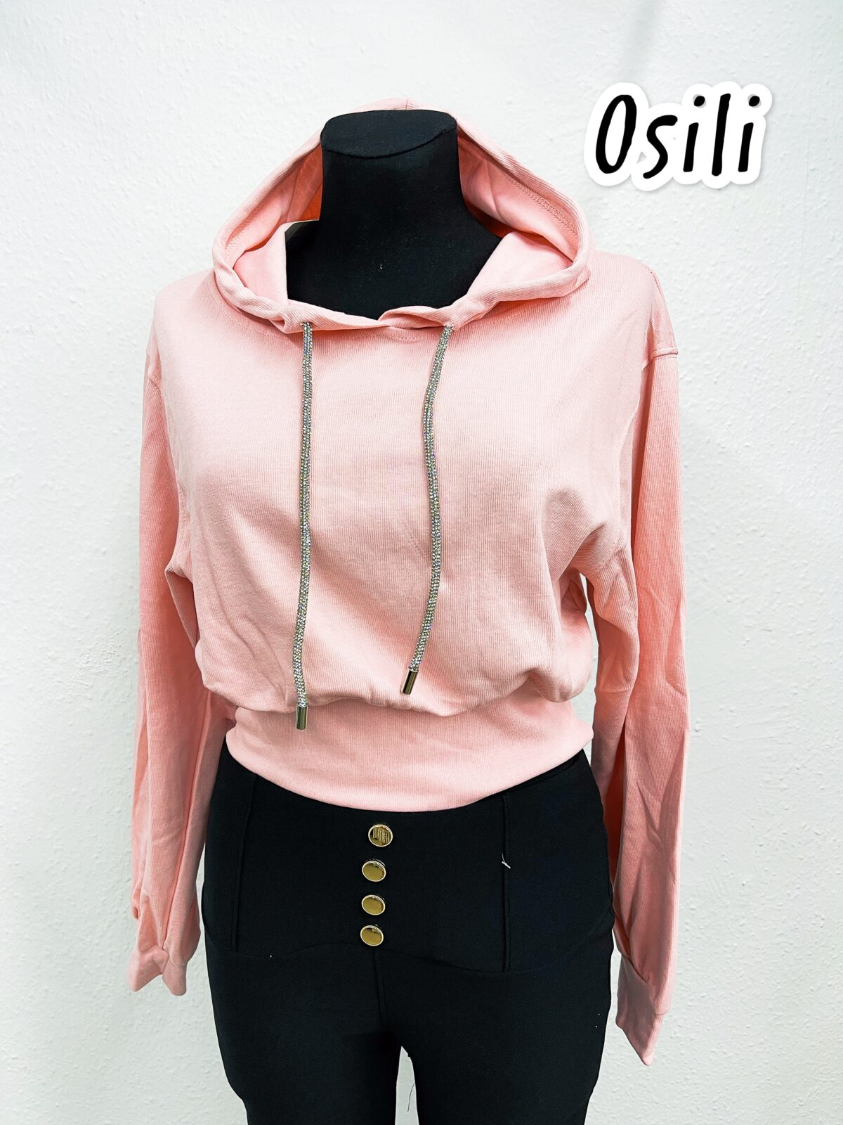 F7B0519A DF40 4915 A82D B24B08EFC3A2 scaled Osili - Fashion - Divat